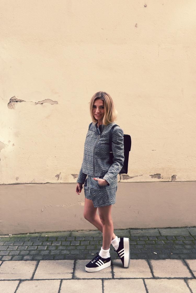 VictoriaStillwell-GirlsinMensWear3