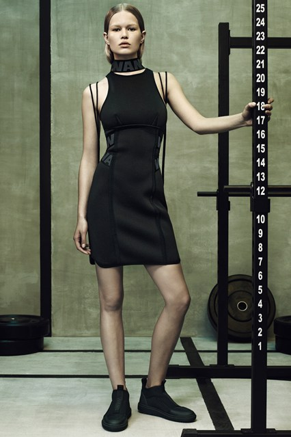 Wang-HM-lookbook-7-Vogue-15Oct14-pr_b_426x639